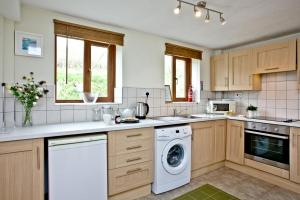 Nobbys Cottage - Open Plan Kitchen